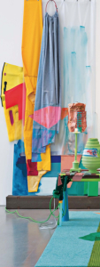 """Jessica Stockholder: """"El color es el alma de mi trabajo"""""""