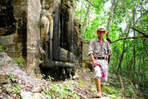 Ivan Šprajc. Las ciudades perdidas de los Mayas
