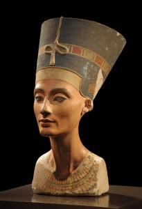 Nefertiti y la puerta secreta