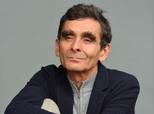 Adolfo dom nguez de fidias a barcel for Adolfo dominguez la arruga es bella