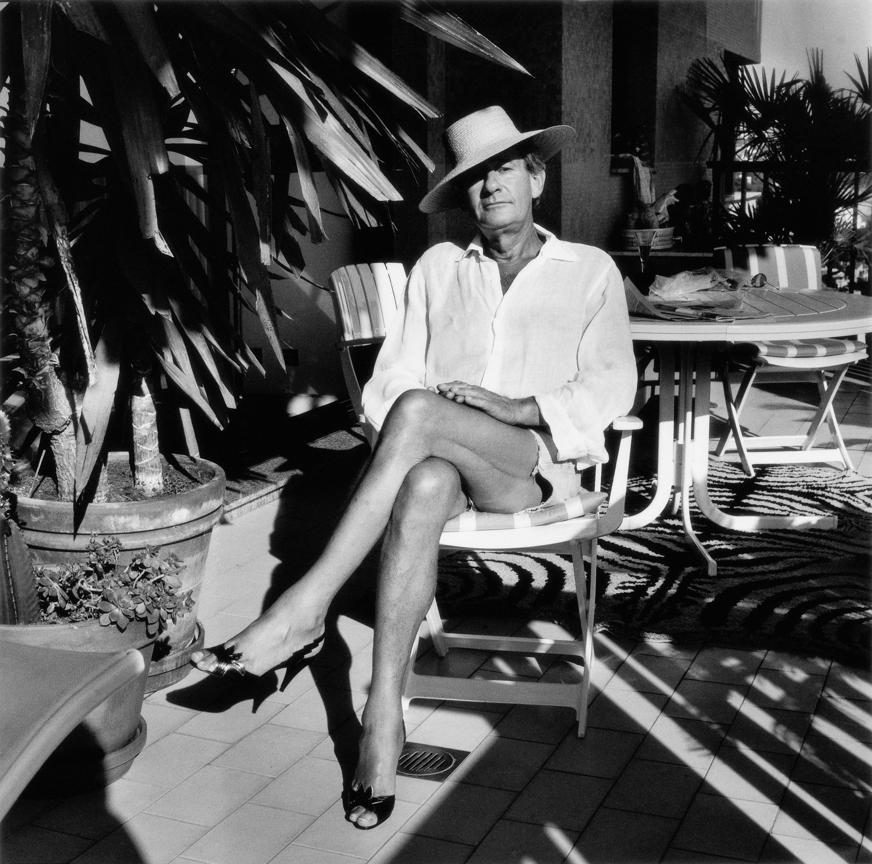 HELMUT NEWTON_(c) Alice Springs - Helmut Newton Foundation_light